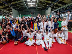 Teilnehmerinnen und Teilnehmer der Special Olympic National Games in Düsseldorf bei einer Pressekonferenz. Foto: SOD/Andreas Endermann