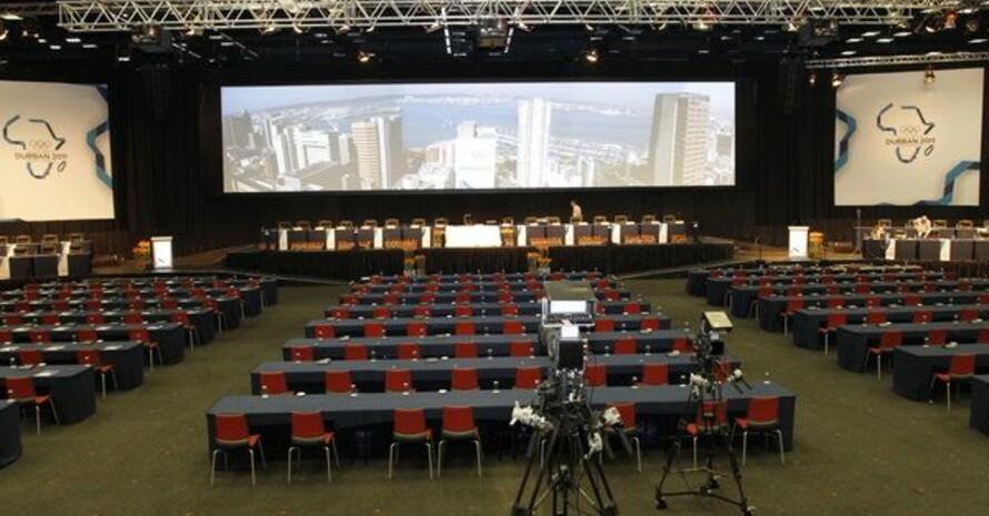 Ein Blick in den Sitzungssaal, wo am Mittwoch die Kandidatenstädte ein letztes Mal präsentieren werden, bevor gegen 17 Uhr die Entscheidung fällt. Foto: picture-alliance