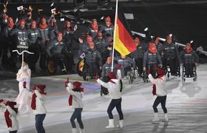 Einmarsch der paralympischen Athletinnen und Athleten aus Deutschland im Olympiastadion von PyeongChang; Foto: Ralf Kuckuck / DBS