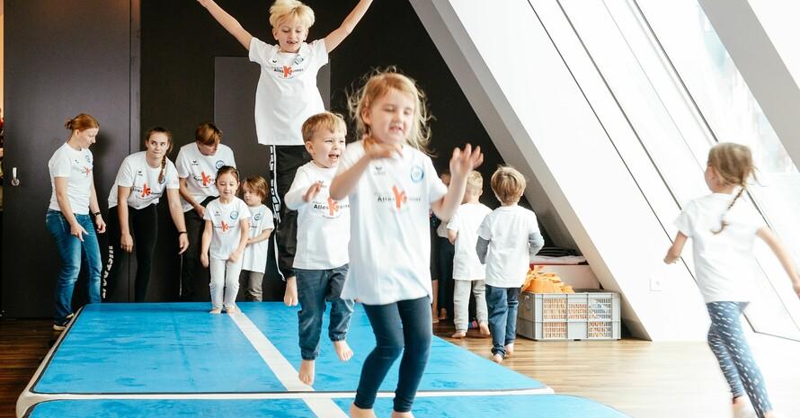Das Motto des Kinderturn-Tages in diesem Jahr lautet: Kinder brauchen Bewegungsräume. Foto: picture-alliance