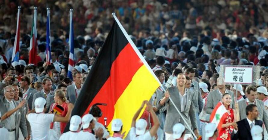 Auch bei den Olympischen Spielen in Peking 2008 marschierte das deutsche Team in Sioux-Schuhen ein. Foto: picture-alliance