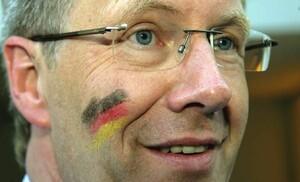 Der neue Bundespräsident Christian Wulff ist Sportfreund und Fußballfan. Copyright: picture-alliance