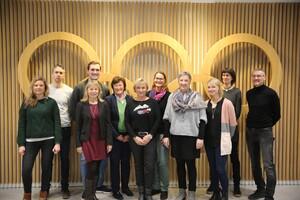 """Gruppenbild der Teilnehmer*innen der Beiratssitzung des DOSB-Projektes """"TrainerInSportdeutschland"""" in Frankfurt/Main. Foto: DOSB"""