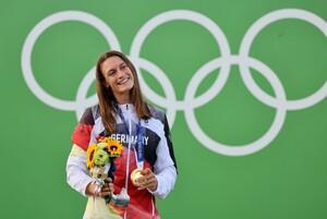 Ricarda Funk gewinnt in Tokio die erste Goldmedaille für das Team Deutschland. Foto: picture-alliance