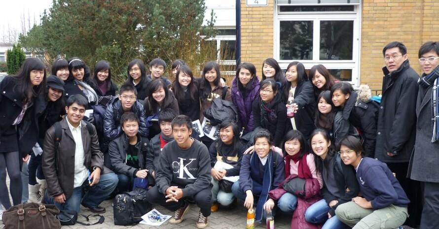 Die Schülerinnen und Schüler aus Singapur zu Gast am Romain-Rolland-Gymnasium Berlin Foto: privat