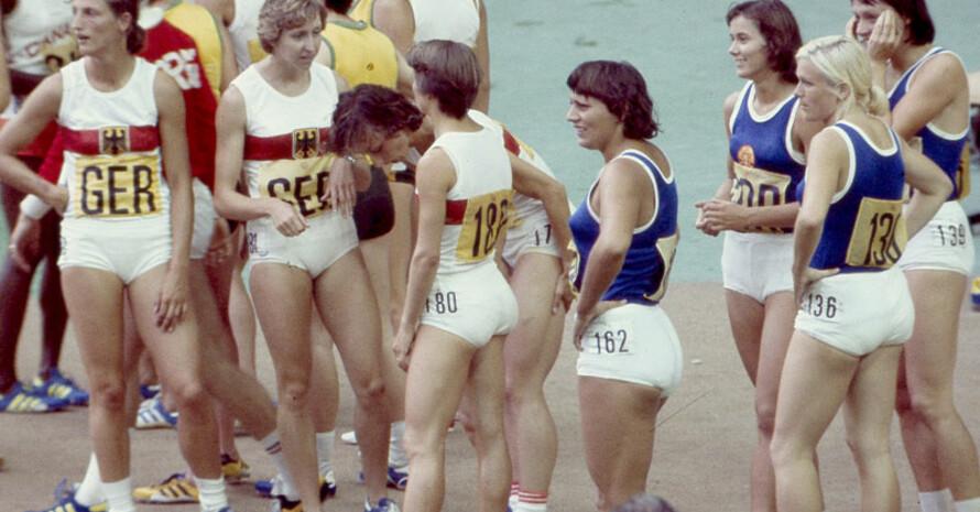 Die 100 Meter-Staffeln der Bundesrepublik und der DDR bei den Olympischen Spielen 1976 in Montreal. Foto: picture-alliance