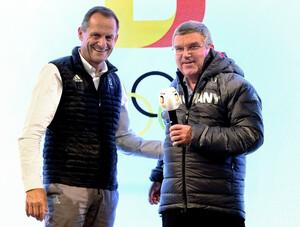 Lob vom IOC-Präsidenten: DOSB-Präsident Alfons Hörmann hört Thomas Bachs Einschätzung der ersten Woche für das Team D gern (Foto: Pictuere Alliance)