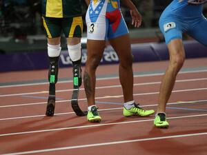 Behinderte und Nicht-Behinderte in einem gemeinsamen Wettkampf. Foto: picture-alliance