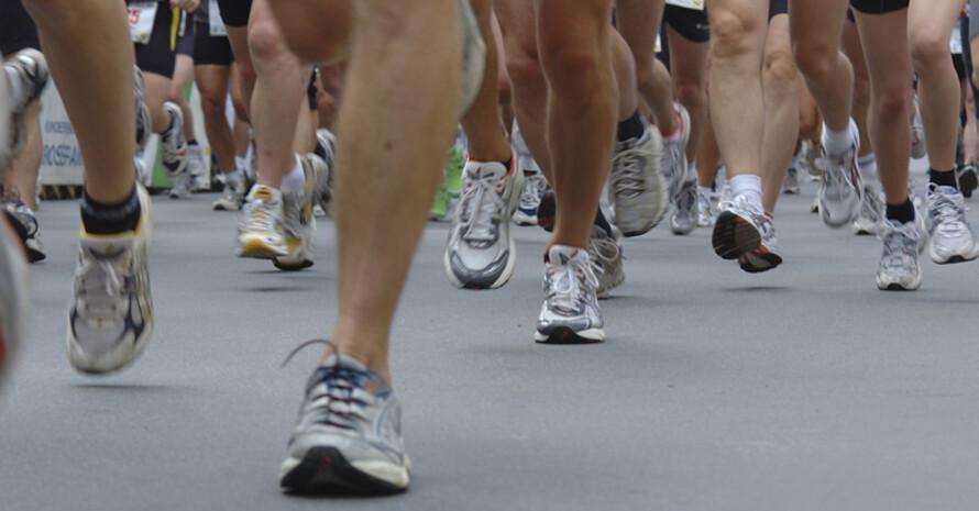 Die Interessengemeinschaft German Road Races möchte künftig vor die Teilnahme an einem Lauf einen Gesundheits-Check stellen. Copyright: picture-alliance