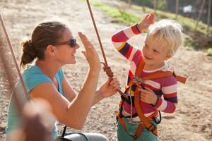 Kinder dürfen nicht ausgeschlossen sein, sondern müssen bei Sport und Spiel mitmachen können. Foto: fotolia.com/cicisbeo