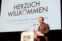 DOSB-Präsident Alfons Hörmann eröffnet die 14. DOSB-Mitgliederversammlung 2017 in Koblenz. Foto: DOSB/Jan Haas