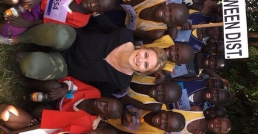 """Als Sportlerin weiß sie, """"was der Sport zur Persönlichkeitsentwicklung bei Kindern und Jugendlichen beiträgt"""": Britta Heidemann unterstützt das Projekt """"Athletics for Development"""" (Foto DOSB)."""