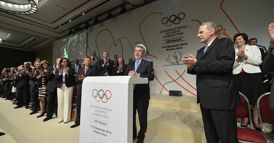 IOC-Mitglieder applaudieren für Thomas Bach nach der Wahl zum IOC-Präsidenten. Foto: IOC Media