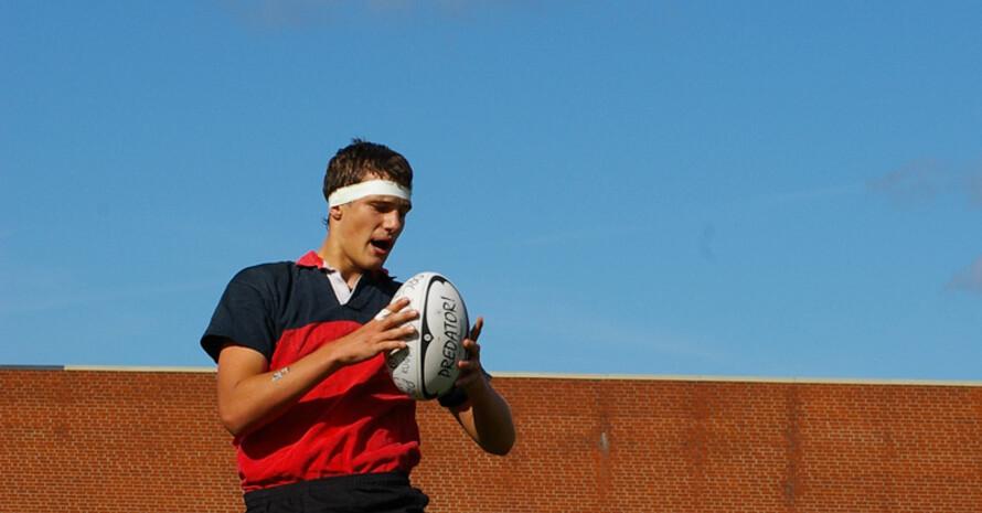 Ebenso wie der Rugbyspieler Felix Odebrett.