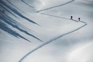 Ski-Tour mit Abstand; Foto: DAV/Daniel Hug