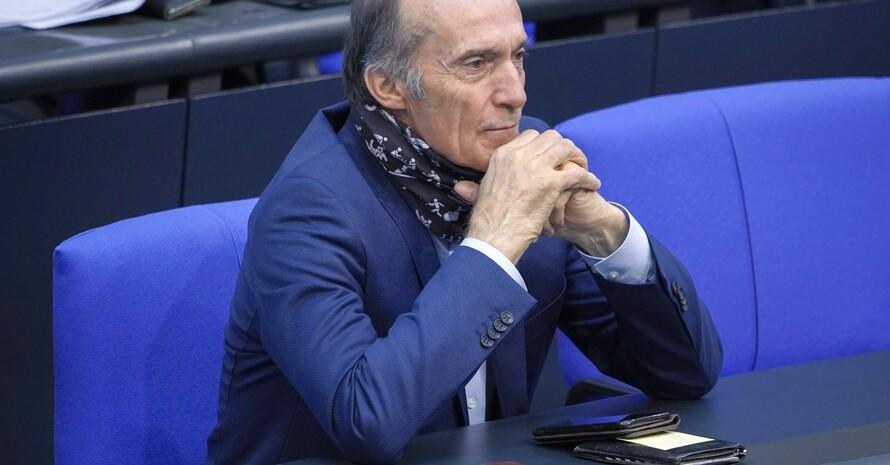 Eberhard Gienger 2020 im Plenum bei der Haushaltsdebatte zur 180. Sitzung des Deutschen Bundestages; Foto: picture-alliance
