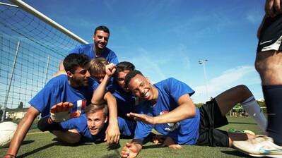 """Zehn Verbände führen in der Förderperiode 2020-2021 das Projekt """"Willkommen im Sport"""" in ihrem Bundesland durch. Foto: DOSB/CSV Andernach/Milorad Vlaj"""