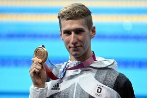 Florian Wellbrock brauchte ein Weilchen, bis er sich über die Bronzemedaille richtig freuen konnte. Foto: picture-alliance