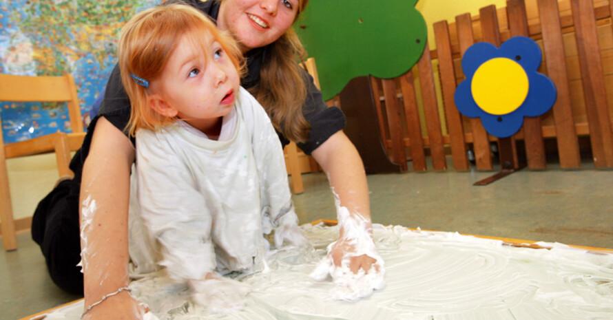 Mit neue Kombinationsmöglichkeiten werden Freiwilligendienste noch interessanter. Copyright: picture-alliance