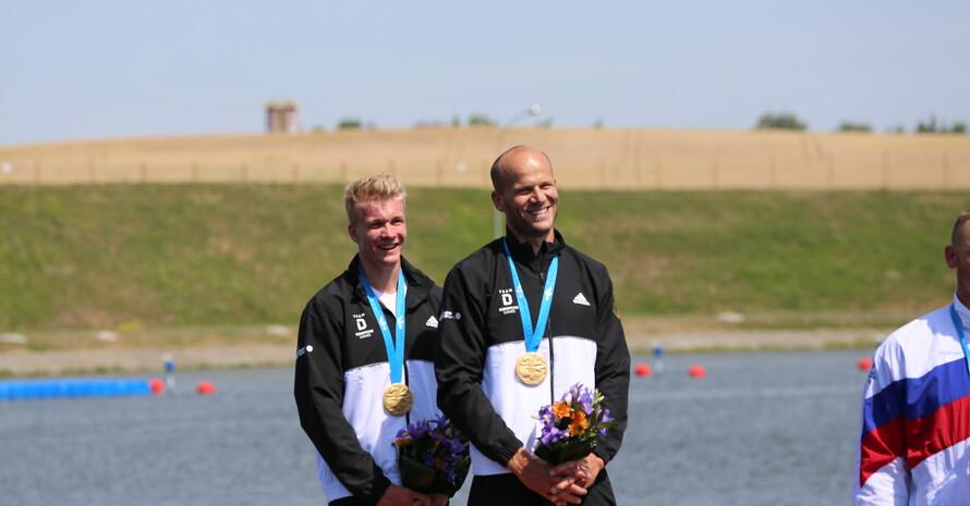 Hatten gut lachen (v.l.): Jacob Schopf (19 Jahre) und Max Hoff (36) bei der Siegerehrung. Foto: DOSB
