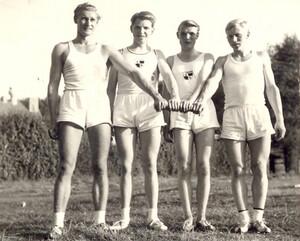 Michael Buchwald (1.v.links) 1962 mit der 4x100 Meter-Staffel der SG Platjenwerbe