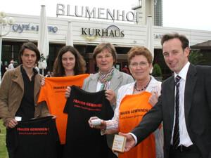 Meike Schröer (LSB), Petra Fischer (espo), Ilse Ridders-Melchers (DOSB-Vizepräsidentin, Gisela Hinnemann (LSB-Vizepräsidentin), Karsten Peipe (Kur vor Ort) in Essen.  Foto: huwifoto