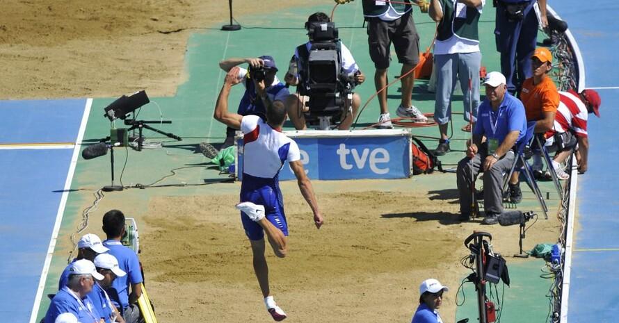TV-Kameras beim Weitsprung der Männer anlässlich der EM 2010 in Barcelona. Foto: picture-alliance