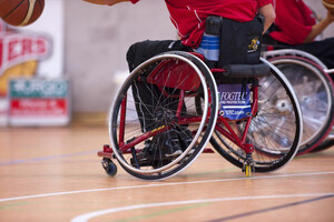 Bei den TalentTagen können Kinder und Jugendliche auch die Sportart Rollstuhlbasketball ausprobieren. Foto: LSB NRW