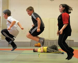Innovative Konzepte und Programme für den Kinder- und Jugendsport sollen die angehenden Sportwissenschaftler entwickeln. Copyright: picture-alliance