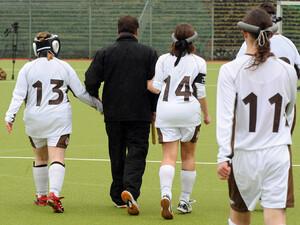 Auf der DFB-Website können sich Interessierte in verschiedenen Rubriken über Angebote im Handicap-Fußball informieren. Foto: picture-alliance