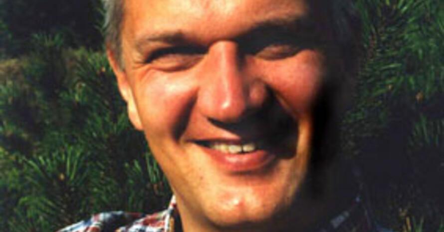 Prof. Dr. Nils Neuber erhält am 16. November 2006 die Carl Diem Plakette des DOSB. Bild: privat