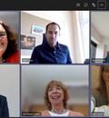 Ein Screenshot der digitalen Jurysitzung mit den Jurymitgliedern sowie Mitarbeiter*innen des DOSB. Es sind die einzelnen Videos der Teilnehmer*innen sowie die Funktionen von Microsoft Teams zu sehen.