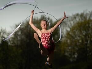 Nicht nur die Rhythmische Sportgymnastik (hier Amelie Stehli in Aktion) profitiert von den zusätzlichen Fördermitteln. Foto: picture-alliance