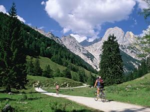 Viele Sportarten finden in der freien Natur statt, deshalb fordert der DOSB Ergänzungen am Umweltgesetzbuch. Copyright: picture-alliance