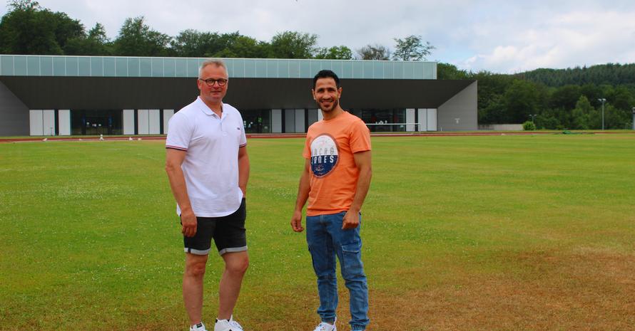 Foto: Annabell Schäfer Heiko Staack (links) und Wessam Salamana (rechts) vor Ort beim Landessportverband für das Saarland.