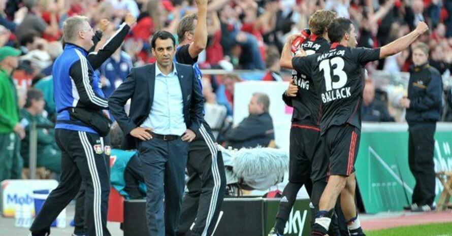 Robin Dutt, Trainer von Bayer 04 Leverkusen, in seinem beruflichen Umfeld. Foto: picture-alliance