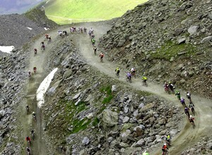 Mountainbike-Rennen in den Waliser Alpen; Foto: picture-alliance