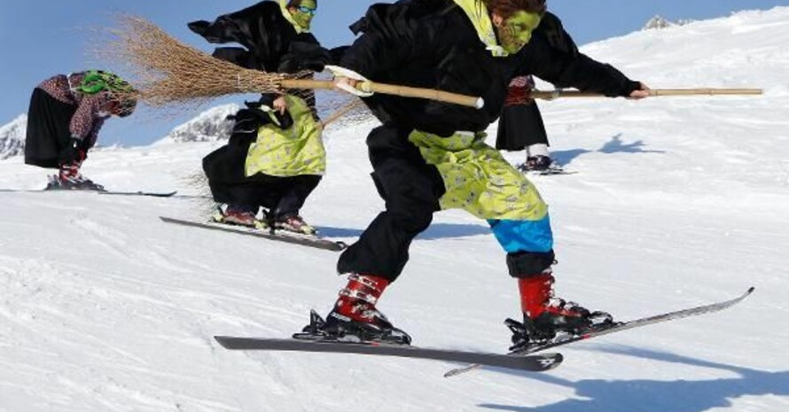 Faschingsspaß im Schnee, Copyright: picture-alliance