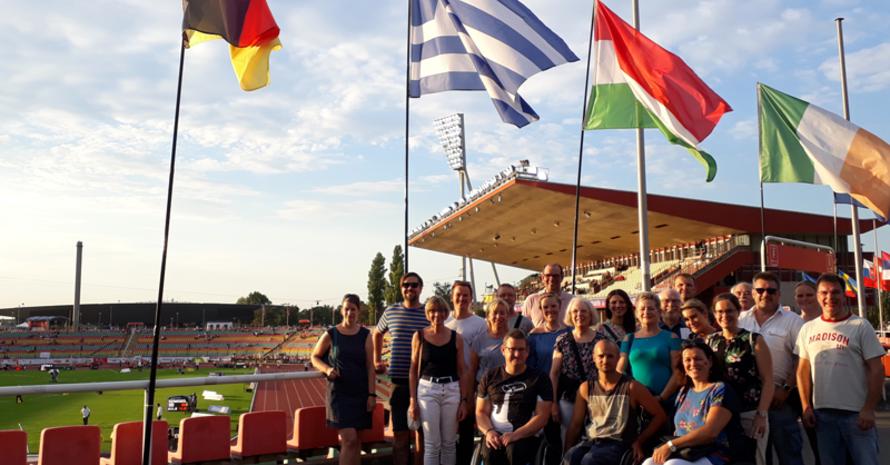 Die Teilnehmenden der MIA-Infotage beim Besuch der Para Leichtathletik EM in Berlin.