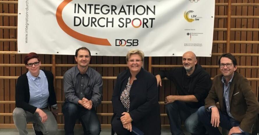 Regina Dietz, Sergej Gergert (LSV BW), Iris Ripsam (MdB), Stefan Molsner (DJK Sportbund Stuttgart) und Dominik Hermet (Sportkreis Stuttgart) beim Besuch in Stuttgart.