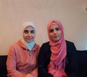"""Unsere Übungsleiterinnen Basmeh al Krad (links) und Alaa al Swidan (rechts), von """"Willkommen im Sport""""."""