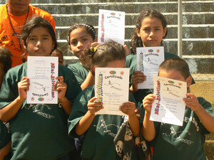 Nach der Teilnahme am Kinderleichtathletikevent gibt es ein Zertifikat. Foto: Wangemann
