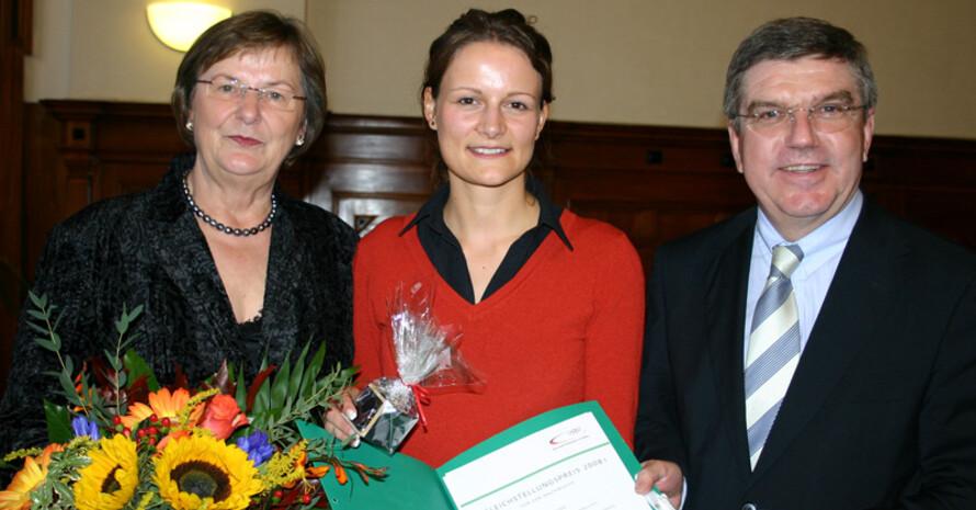 Auch Annika Breuer freut sich über ihren Preis. Fotos: Frank Löper