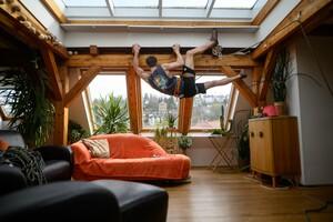 Die ideale Wohnung, um sportliche Abwechslung ins Homeoffice zu bringen; Foto: picture-alliance