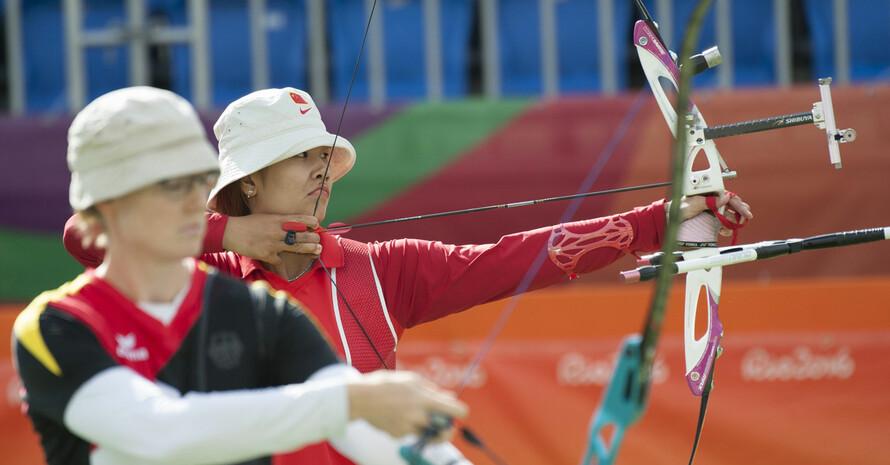 Lisa Unruh (l.) gewann bei den Olympischen Spielen in Rio 2016 Silber; hier ist sie im Wettkampf gegen Hui Cao aus China. Foto: picture-alliance
