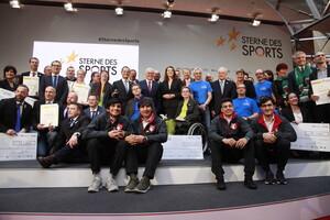 """Großer """"Stern des Sports"""" in Gold 2017 in Berlin durch Bundespräsident Frank-Walter Steinmeier verliehen"""