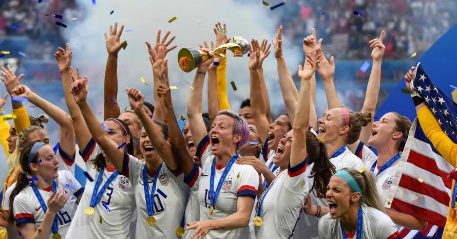 Die mediale Aufmerksamkeit während der WM 2019 nutzten die Weltmeisterinnen der USA, um sich für geschlechtergerechte Bezahlung im Sport einzusetzen. Foto: picture-alliance