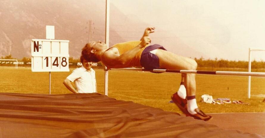 Erwin Lösch, schon 45 Mal beim Sportabzeichen erfolgreich, hier beim Sprung 1979 (Quelle: Lösch)