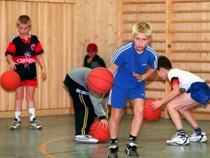 Die Arbeit zwischen Schule und Sportvereinen soll weiter intenisviert werden. Copyright: picture-alliance