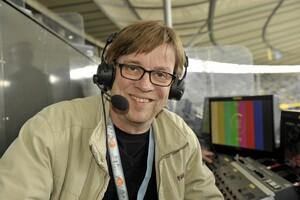 Reporter Béla Réthy beim DFB-Pokal, Finale Borussia Dortmund - FC Bayern München; Übertragung aus dem Olympia-Stadion in Berlin (Quelle: ZDF, Jürgen Detmers)
